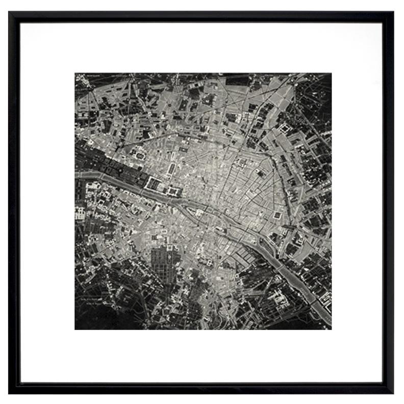 Vue satellite de la ville en noir et blanc