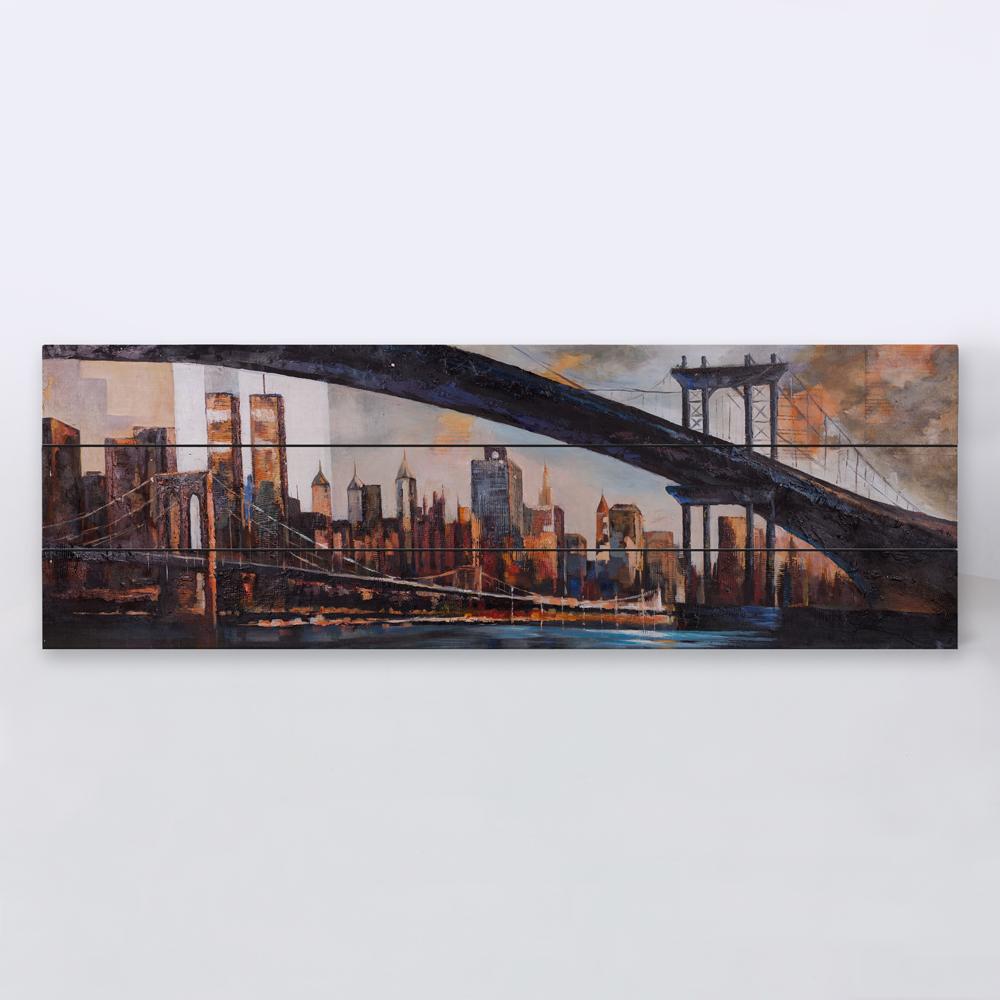 Pont dans la ville au coucher du soleil